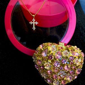 Jewelry - 18K Gold Cross Diamond 💎 Pendant